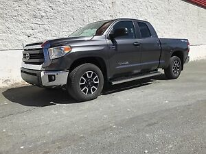 2016 TOYOTA TUNDRA SR5 TRD 4X4 ONLY 15000 KMS !!
