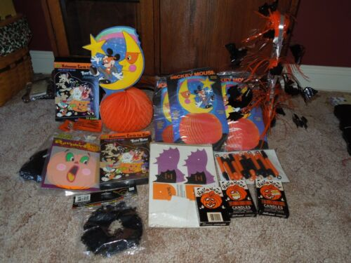 AWESOME LOT  OF MIXED HALLOWEEN ITEMS !!