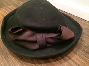 Black hat - small women's/ladies or girls.