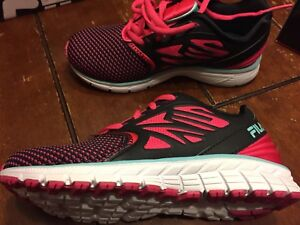 Brand new youth girls Fila sneakers size 13