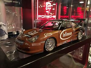 1:18 Diecast AutoArt Porsche 911 996 GT3 R **WITH BOX**