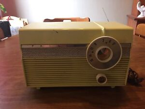 Vintage Philco table radio