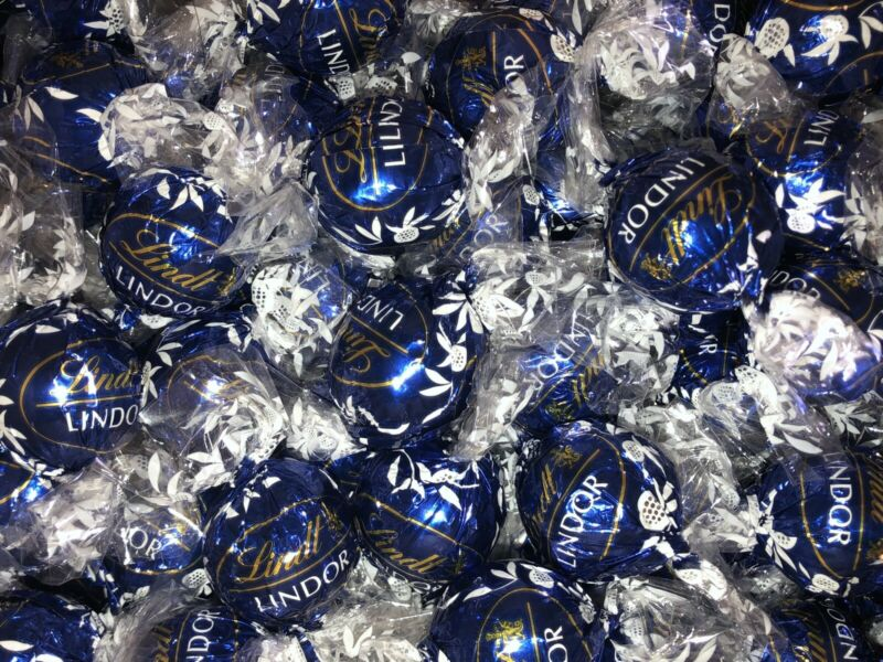 NEW 90 Count LOT Lindt Lindor Dark Chocolate Kosher Chocolate Truffles FREE SHIP