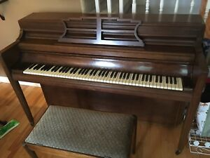Willis Montreal upright piano