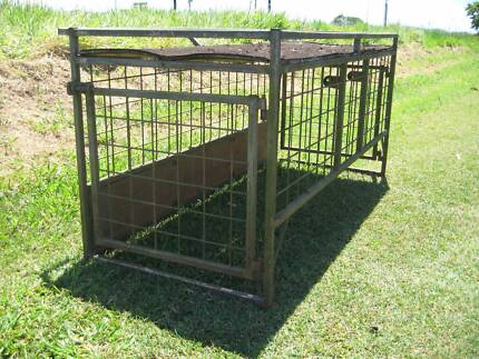 VEHICLE DOG CAGE STEEL