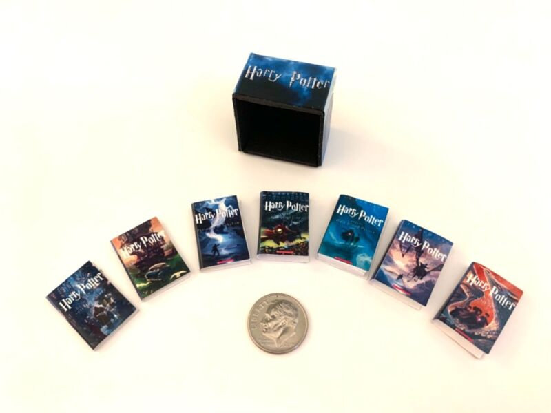 Dollhouse Miniature Harry Potter Boxed Book Set with 7 books 1:12 scale