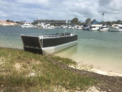 Pontoon landing craft