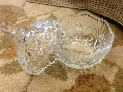 Glass bowl with lid