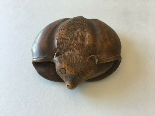 Vintage JAPANESE HAND CARVED Boxwood Flying Bat NETSUKE Estate Item
