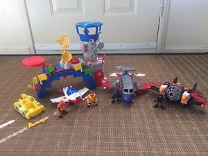 Imaginext airplanes and control tower