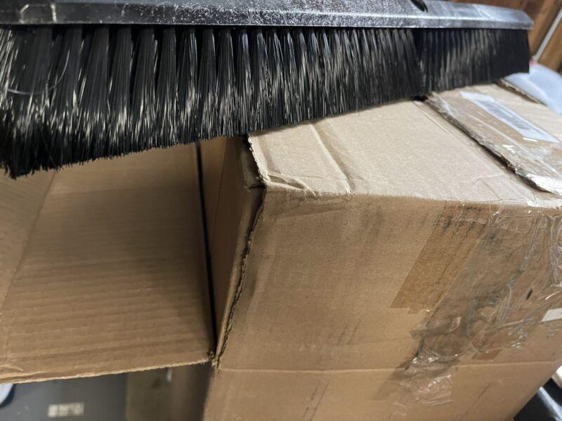 24 inch All Purpose Omni Sweep Plastic Block Floor Sweep - 11 pack