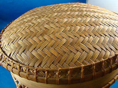 (Asian Sewing Basket & Lid Round Woven Bamboo Reed Storage Oriental Signed @8)