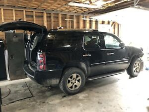 Parting out or entire vehicle 2007 Denali