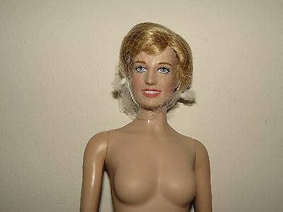 Franklin Mint Princess Diana Grandeur Vinyl 16 Inch Nude Doll Comes With COA