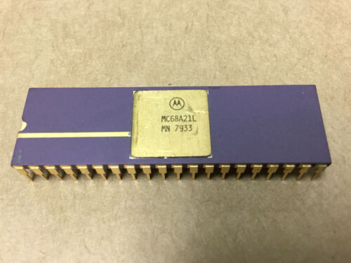(1 PC)  MOTOROLA  MC68A21L   Peripheral Interface Adapter  NSN# 5962-01-127-8856