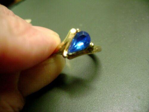 VINTAGE BLUE TEAR DROP SHAPE CRYSTAL SIZE 6 GOLD TONE RING