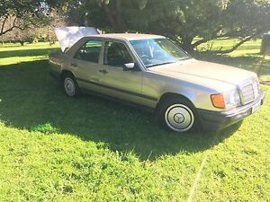 1986 Mercedes-Benz 230 Sedan Cranbourne Casey Area Preview