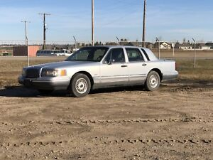 1994 Lincoln Town Car Cartier Alberta Registered