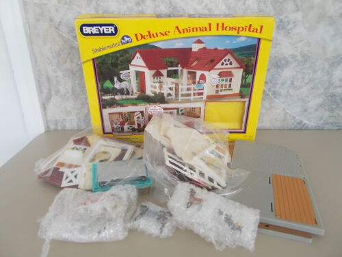 Breyer Stablemates Deluxe Animal Hospital Retired Incomplete