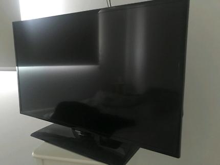 40 Inc Samsung TV