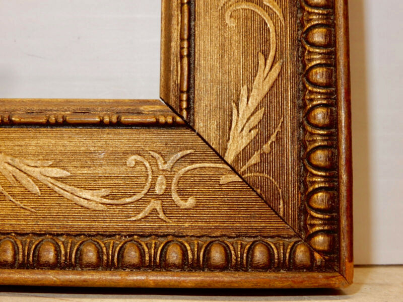 ANTIQUE GILT ARTS AND CRAFTS PICTURE FRAME