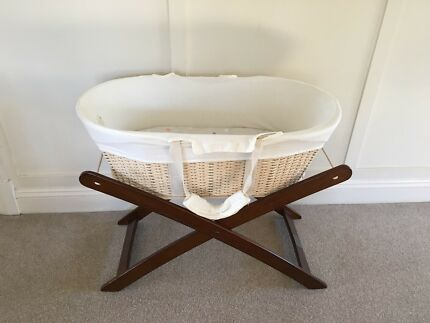 Moses basket + stand Natures Purest