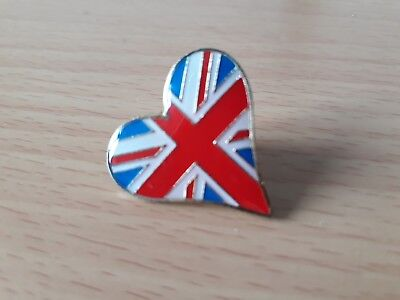 UNION JACK Heart Shaped Metal PIN BADGE with Butterfly clasp