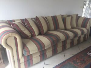 Large comfortable lounge free delivery in Wantirna