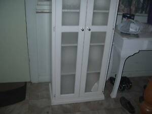 TALL CABINET WITH GLASS INSERTS GREAT FOR TOWELS LINEN OR KITCHEN South Windsor Hawkesbury Area Preview