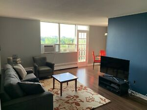 Beautiful Shared Accommodation w/ Big Room for Rent Dundas/Dixie