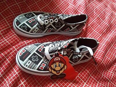 Vans NINTENDO KIDS TRAINERS OFFICIAL MARIO UK 11 New in Box