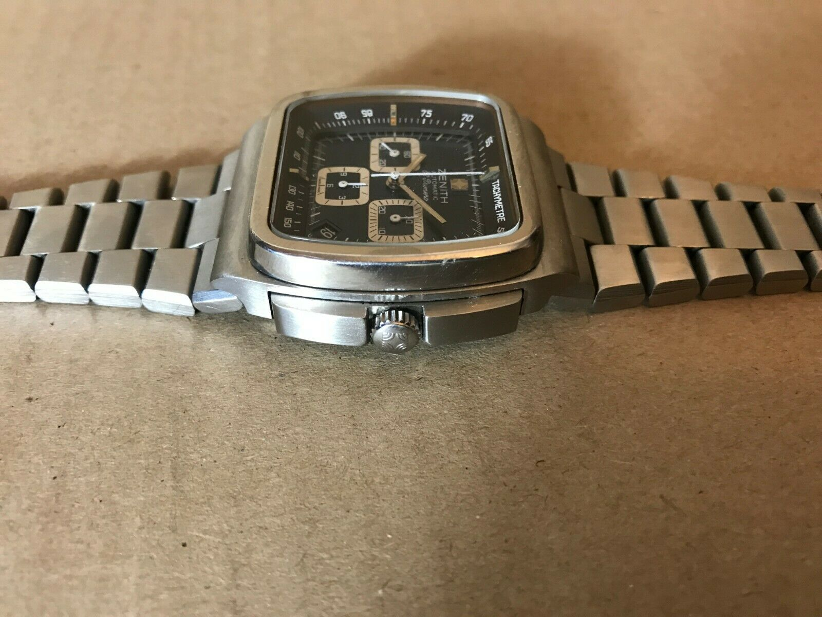Watch picture 1