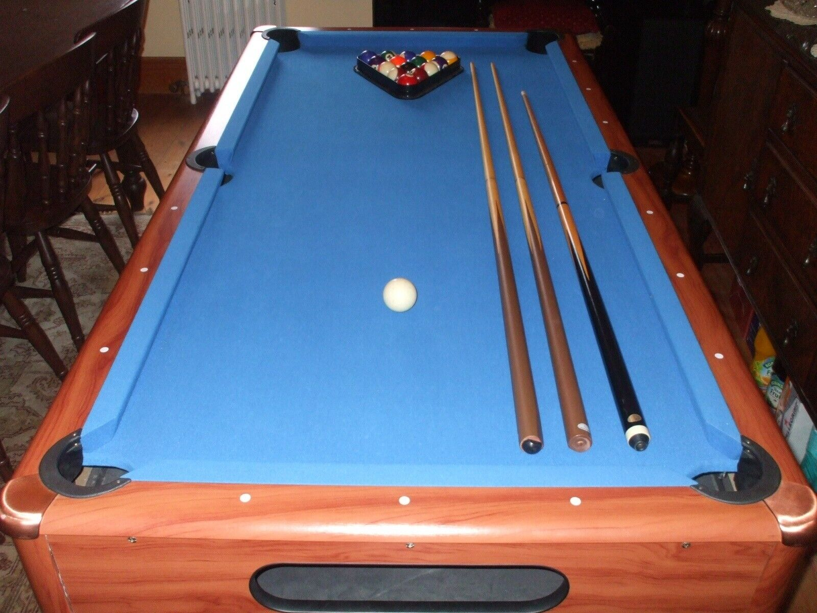Pool table 6x3ft, free standing, including 3 cues, all balls, triangle, chalk.