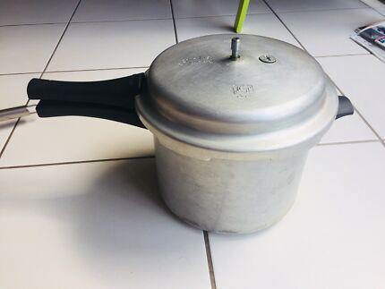 Prestige popular aluminium 5 litre pressure cooker