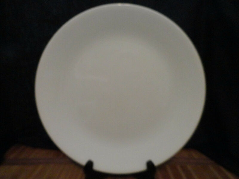 CORELLE CORNING WHITE  DINNER PLATES, Set of 4