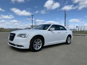 2015 Chrysler 300 **FULLY LOADED** make payments **