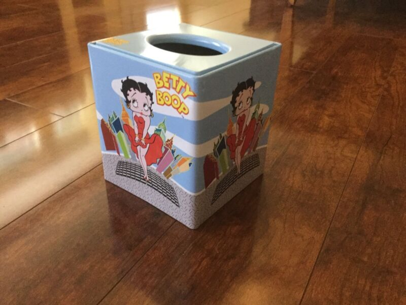 NEW Collectible Vintage Betty Boop Tissue Holder Tin Box Cover City