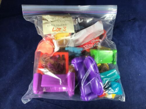 F-96 MIXED LOT OF MISCELLANEOUS TOYS AND ACCESSORIES