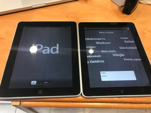 Lots 2 Apple iPad 1st Gen. 64GB, Wi-Fi, 9.7in - Black