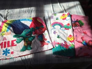 Trolls twin bedding set with extras
