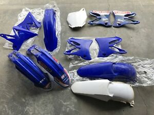 YZ 125 and 250 plastics