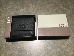 Brand new ROOTS wallet $15