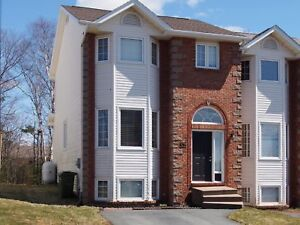 3 Bedroom End Unit Townhouse in Russell Lake Dartmouth!