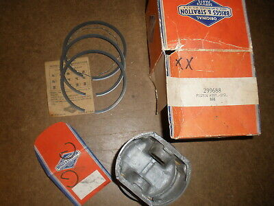 Briggs Stratton Gas Engine Piston Assembly 299688 New Old Stock Vintage