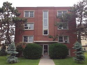 CENTRALLY-LOCATED, FIRST FLOOR APT! 2-311 Westdale Ave