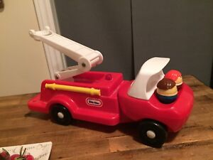 VINTAGE LITTLE TIKES TODDLE TOTS FIRE TRUCK