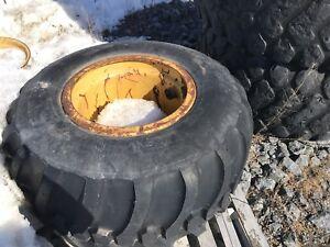 Pneu transporteur Bridgestone 700/50B26.5