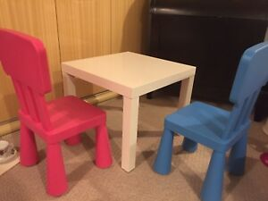 Children table and chairs