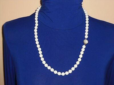 RARE Early 40`s MIRIAM HASKELL Milk Glass Bead Classic Necklace Signed 28