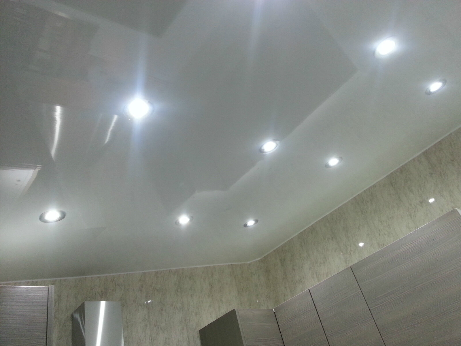 2 plain white gloss pvc kitchen ceiling cladding panels for Ceiling designs for bathroom